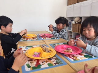 T-kidsクラス~おやつ/昼食~